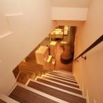 二樓樓梯|新竹愛生美皮膚科醫學美容診所